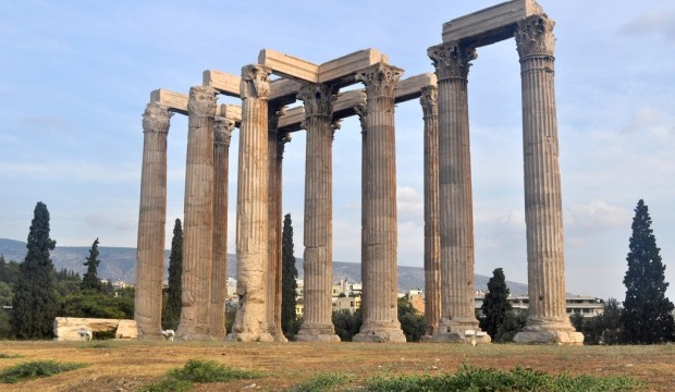 9 Best Places to Visit in Greece