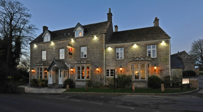 English Pubs and Inns_The Royal George Birdlip