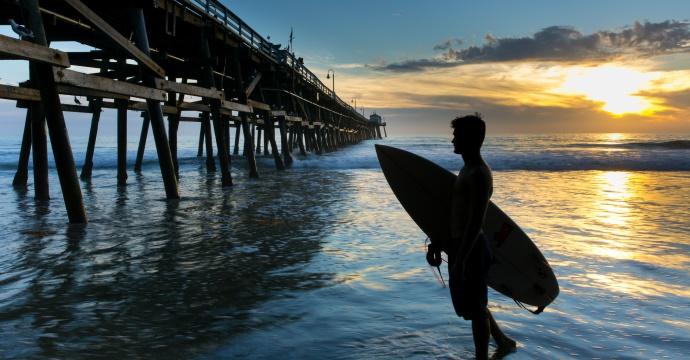 Outdoor activities_surfing breaks
