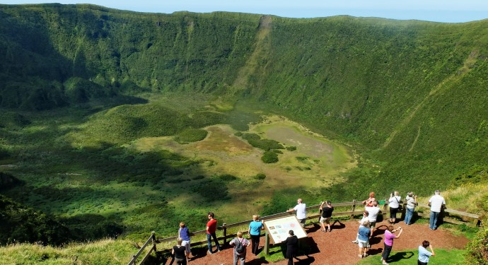 crater_volcano_azores
