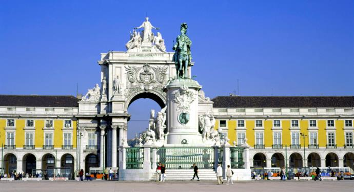 lisbon praca do comercio_family friendly portugal