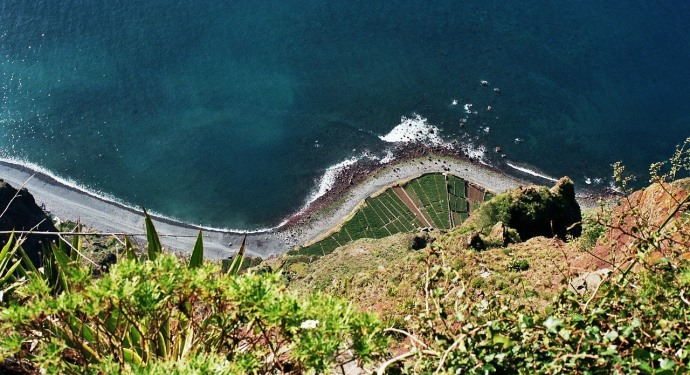 madeira cliff_family friendly portugal